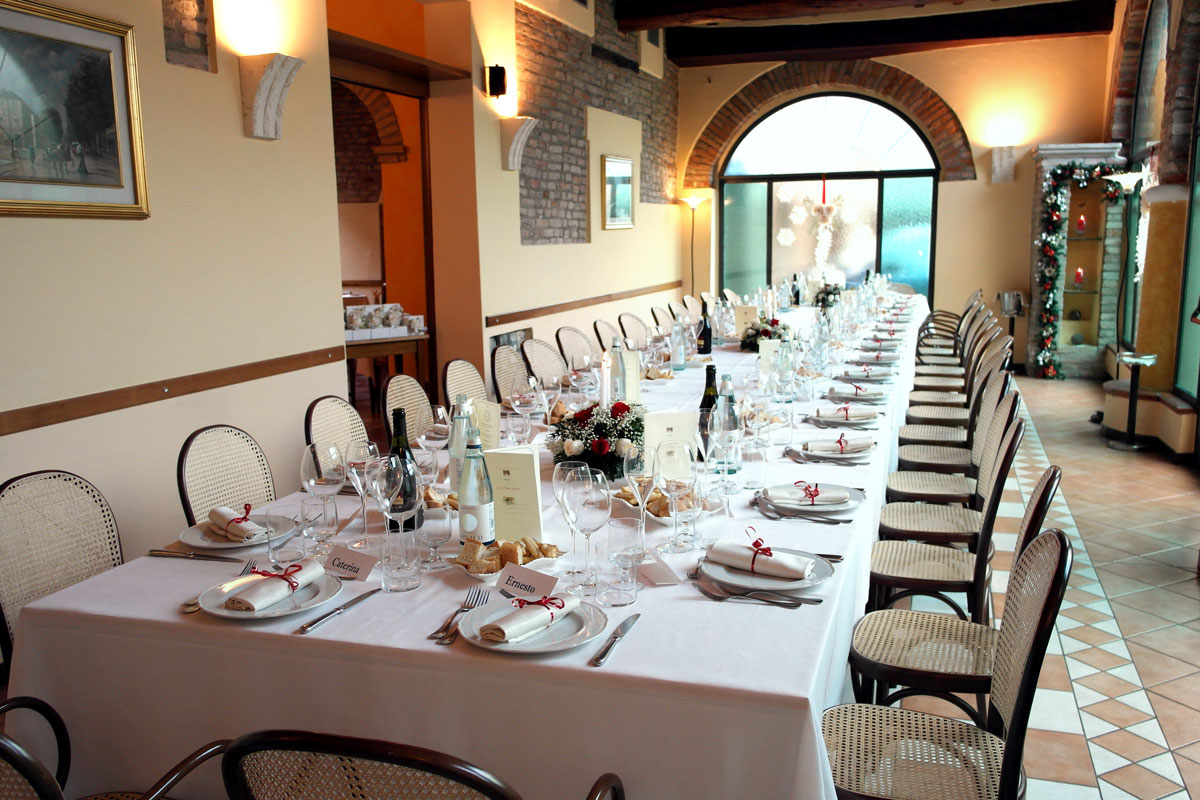 Enoteca Finzi - sala tavolata